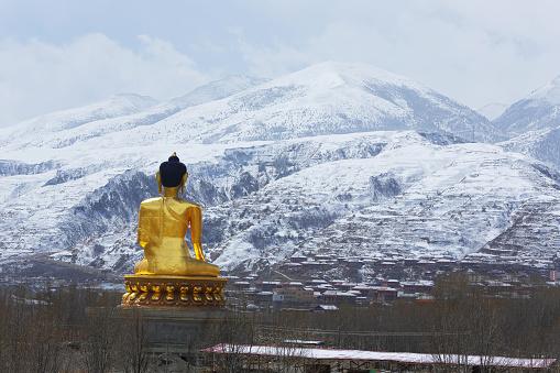Buddha statue「Yala snow mountain of Tagong grassland,Sichuan province,China」:スマホ壁紙(19)