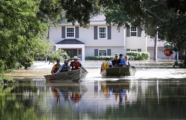 Residential District「Epic Flooding Inundates Houston After Hurricane Harvey」:写真・画像(13)[壁紙.com]