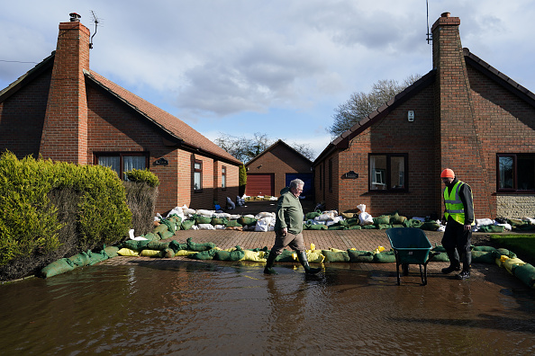 Weather「Flooding Hits Yorkshire's Small Villages」:写真・画像(16)[壁紙.com]