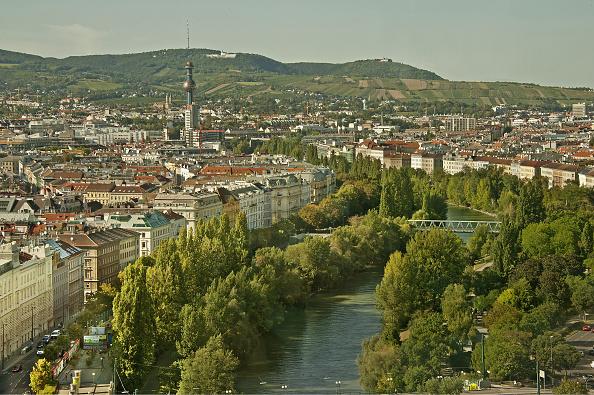 都市景観「Cityscape With Danube Canal」:写真・画像(18)[壁紙.com]