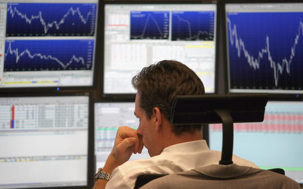 Frankfurt - Main「German Stock Exchange Opens After Wall Street Crash」:写真・画像(12)[壁紙.com]