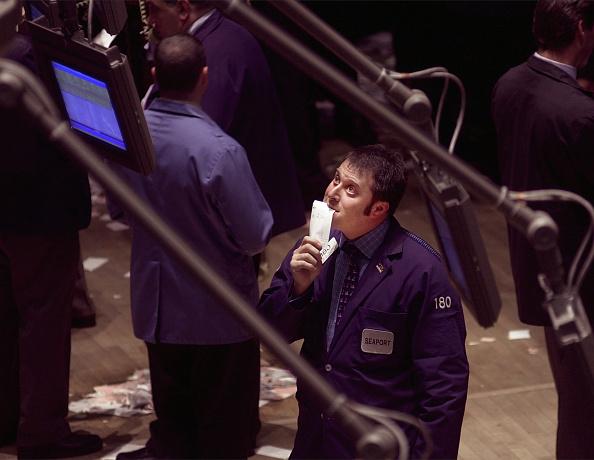 Dow Jones Industrial Average「WALL STREET PLUNGE」:写真・画像(4)[壁紙.com]