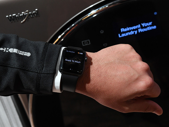 Apple Watch「Latest Consumer Technology Products On Display At Annual CES In Las Vegas」:写真・画像(11)[壁紙.com]