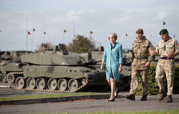 British Military「Theresa May Visits A Military Base In Salisbury」:写真・画像(4)[壁紙.com]