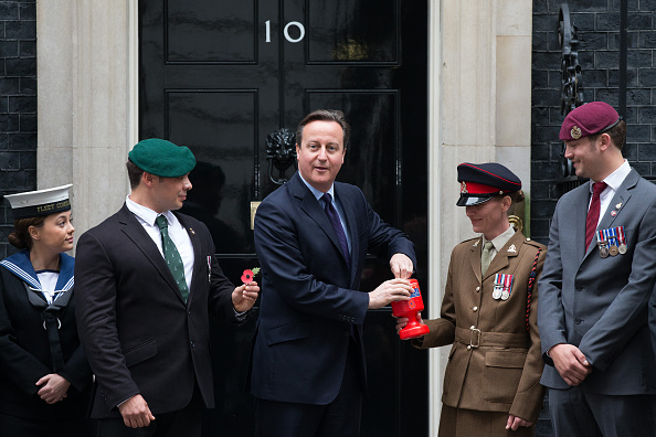 Politics and Government「The Prime Minister Launches This Years Poppy Appeal」:写真・画像(5)[壁紙.com]