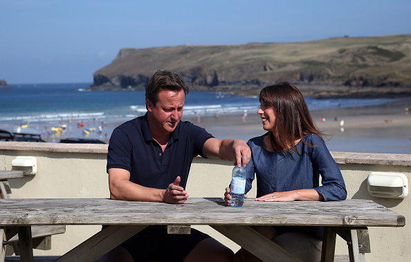 Bench「Prime Minister David Cameron Spends A Holiday In Cornwall With His Family」:写真・画像(0)[壁紙.com]