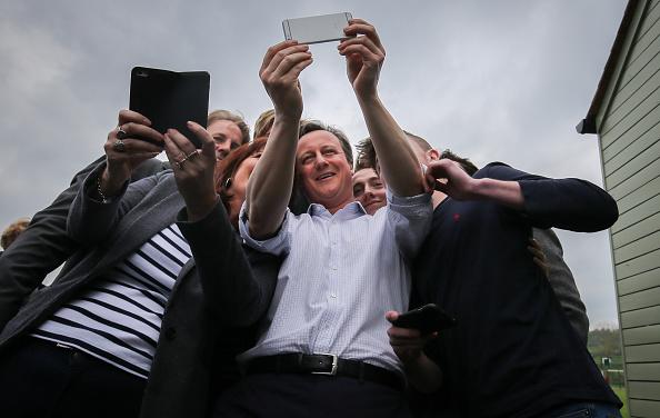 Alternative Pose「David Cameron Campaigns In The South West」:写真・画像(18)[壁紙.com]