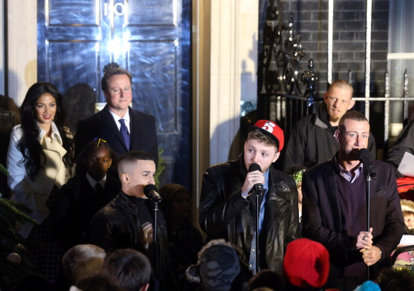 Christmas Decoration「Downing Street Christmas Tree Switch On」:写真・画像(11)[壁紙.com]