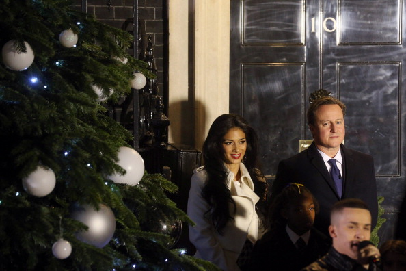 Christmas Decoration「Downing Street Christmas Tree Switch On」:写真・画像(9)[壁紙.com]