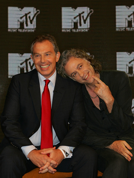 Front View「Tony Blair And Bob Geldof Appear On MTV」:写真・画像(8)[壁紙.com]