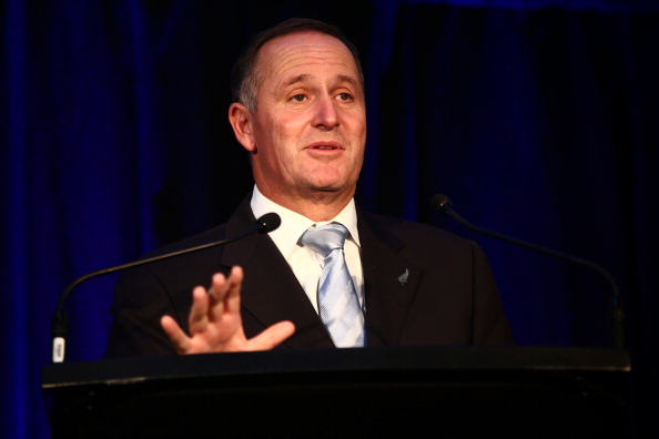 Turning On Or Off「John Key Switches On The Auckland Electric Rail Network」:写真・画像(3)[壁紙.com]