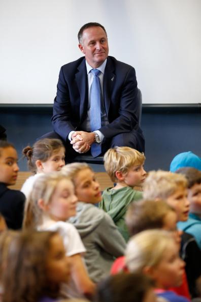 Phil Walter「Prime Minister John Key Announces Funding For Primary Schools In Auckland」:写真・画像(5)[壁紙.com]