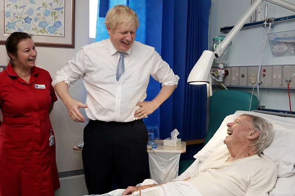 Visit「Boris Johnson Campaigns For The Conservatives In Cornwall」:写真・画像(4)[壁紙.com]