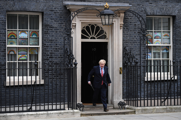 10 Downing Street「Prime Minister Returns To Downing Street After Suffering With Covid-19」:写真・画像(17)[壁紙.com]