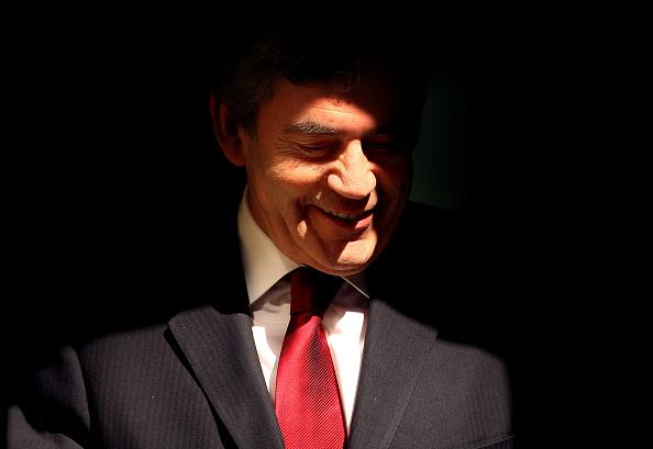 Shadow「Under Increasing Pressure Gordon Brown Leaves For PMQ's」:写真・画像(4)[壁紙.com]