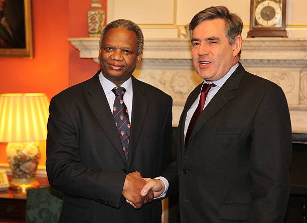Gordon Brown Meets The Father Of Murdered Schoolboy Damilola Taylor:ニュース(壁紙.com)
