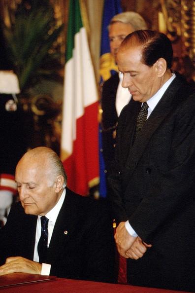 Franco Origlia「Silvio Berlusconi First Government」:写真・画像(3)[壁紙.com]