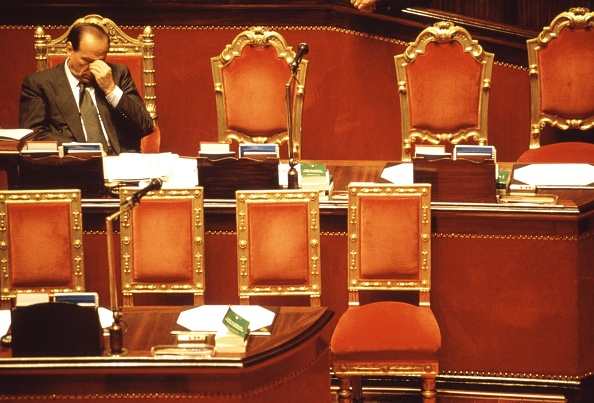 Franco Origlia「Silvio Berlusconi Confidence Vote」:写真・画像(19)[壁紙.com]