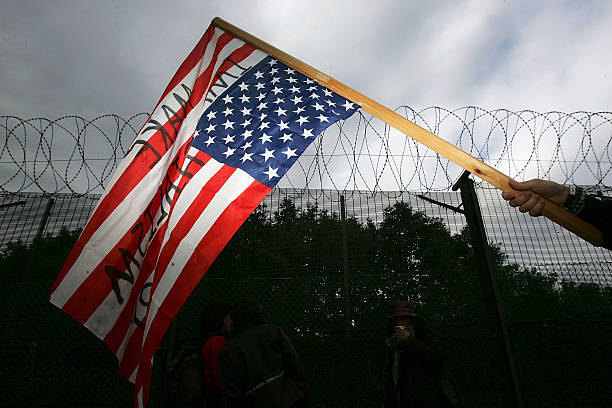 Protestors Make Peaceful Blockade At Faslane Submarine Base:ニュース(壁紙.com)