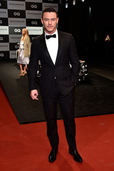 Tuxedo「Red Carpet Arrivals - GQ Men Of The Year Award 2016」:写真・画像(10)[壁紙.com]