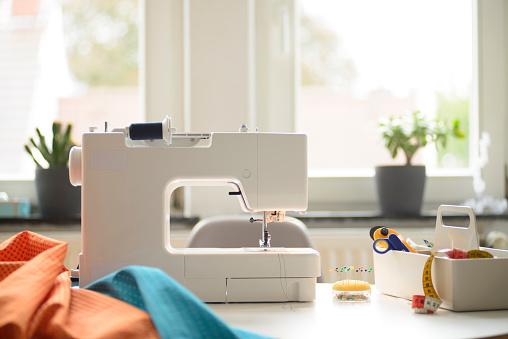 Sewing「Sewing at home」:スマホ壁紙(6)