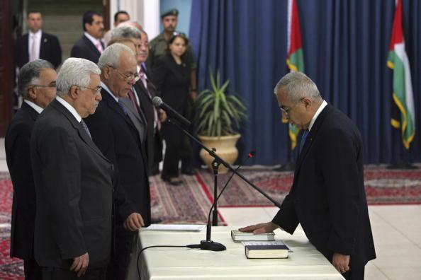 Gaza Strip「Abbas Swears In New Palestinian Government」:写真・画像(17)[壁紙.com]