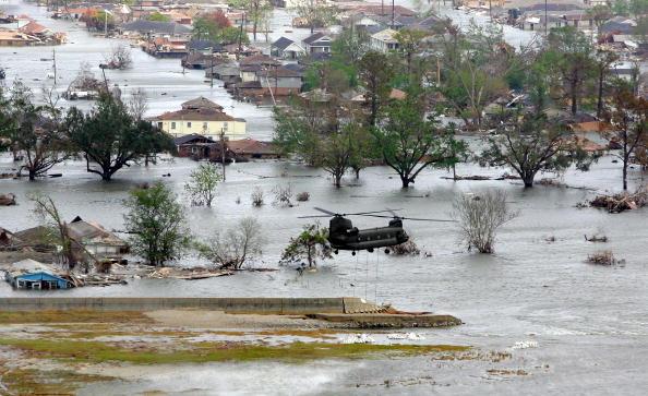 Levee「New Orleans Feels Effects Of Hurricane Rita」:写真・画像(13)[壁紙.com]