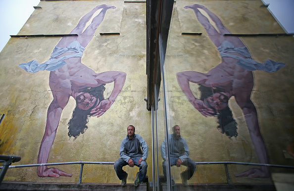 Breakdancing「Controversial Mural Of Breakdancing Jesus Is Unveiled」:写真・画像(17)[壁紙.com]