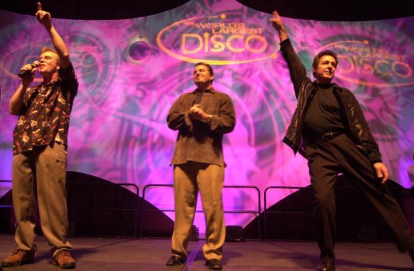 Barry Williams「The Brady Bunch Boys Attend the World's Largest Disco」:写真・画像(18)[壁紙.com]
