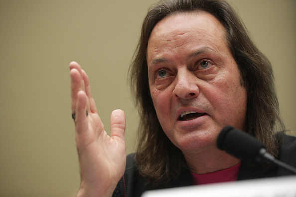 T 「T-Mobile CEO John Legere And Sprint Executive Chairman Marcelo Claure Testify To House Energy Committee On Proposed Merger」:写真・画像(7)[壁紙.com]
