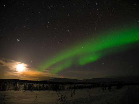 Boreal Forest「aurora borealis in Finnish Lapland with the Moon and the Pleiades - 3」:スマホ壁紙(12)