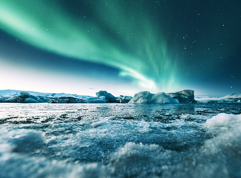 Crystal「aurora borealis in iceland at jakulsarlon」:スマホ壁紙(5)