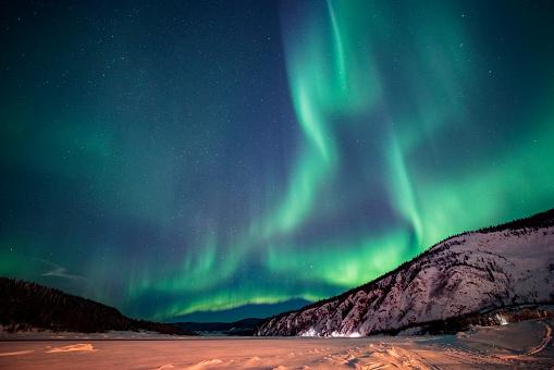 star sky「オーロラ, ユーコン準州, カナダ」:スマホ壁紙(3)