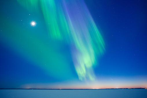 星空「Aurora Borealis 、ムーン」:スマホ壁紙(3)