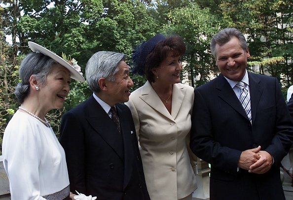 Emperor Akihito「Visit of the Emperor of Japan Akihito with his wife in Poland」:写真・画像(11)[壁紙.com]