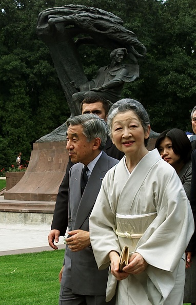 Japanese Royalty「Visit of the Emperor of Japan Akihito with his wife in Poland」:写真・画像(5)[壁紙.com]