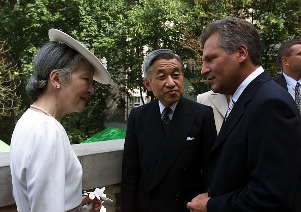 Japanese Royalty「Visit of the Emperor of Japan Akihito with his wife in Poland」:写真・画像(9)[壁紙.com]