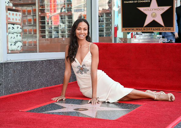Zoe Saldana「Zoe Saldana Honored With A Star On The Hollywood Walk Of Fame」:写真・画像(5)[壁紙.com]