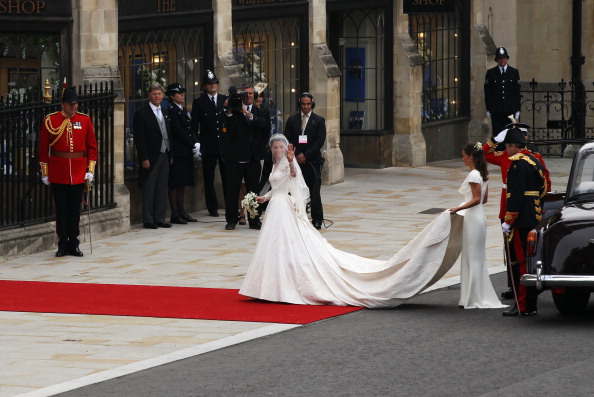 Wedding Dress「Royal Wedding - Wedding Guests And Party Make Their Way To Westminster Abbey」:写真・画像(4)[壁紙.com]