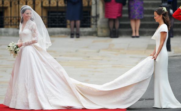 ドレス「Royal Wedding - Wedding Guests And Party Make Their Way To Westminster Abbey」:写真・画像(19)[壁紙.com]