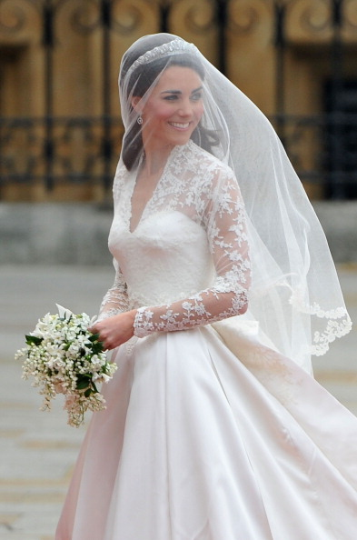 Wedding Dress「Royal Wedding - Wedding Guests And Party Make Their Way To Westminster Abbey」:写真・画像(13)[壁紙.com]
