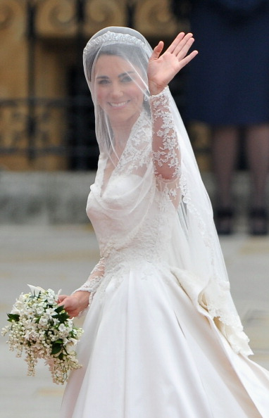 Wedding Dress「Royal Wedding - Wedding Guests And Party Make Their Way To Westminster Abbey」:写真・画像(7)[壁紙.com]