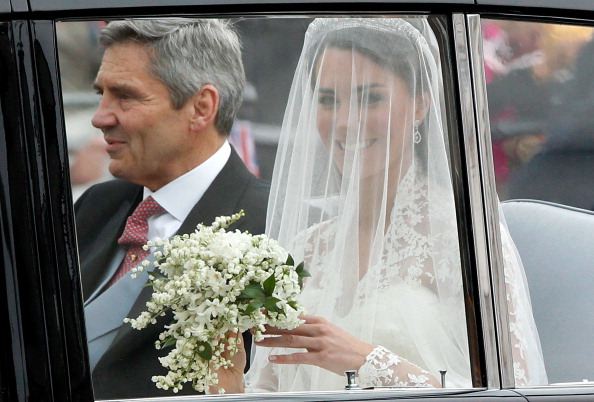 Wedding Dress「Royal Wedding - Wedding Guests And Party Make Their Way To Westminster Abbey」:写真・画像(9)[壁紙.com]
