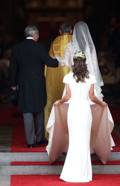 Wedding Dress「Royal Wedding - Wedding Guests And Party Make Their Way To Westminster Abbey」:写真・画像(5)[壁紙.com]