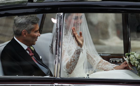 Attending「Royal Wedding - Wedding Guests And Party Make Their Way To Westminster Abbey」:写真・画像(2)[壁紙.com]