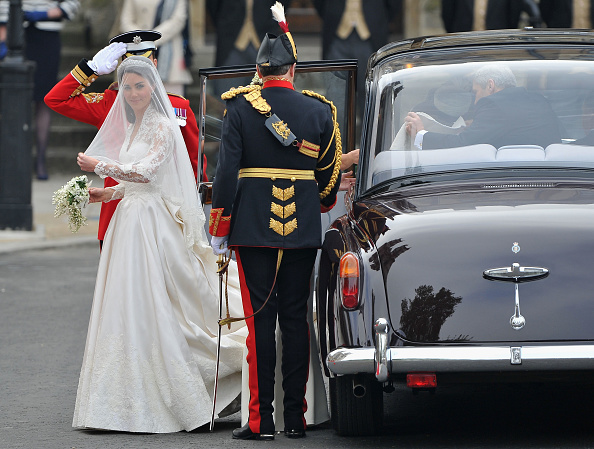 Appliqué「Royal Wedding - Wedding Guests And Party Make Their Way To Westminster Abbey」:写真・画像(17)[壁紙.com]