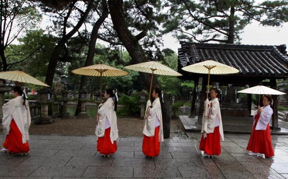 日本の神社「Takara-No-Ichi Ritual Takes Place」:写真・画像(2)[壁紙.com]