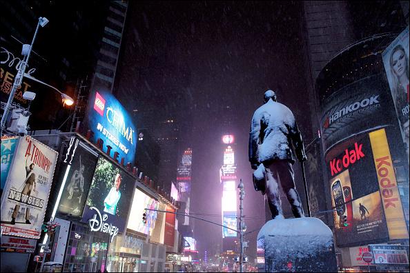 風景(季節別)「Times Square In Winter」:写真・画像(16)[壁紙.com]