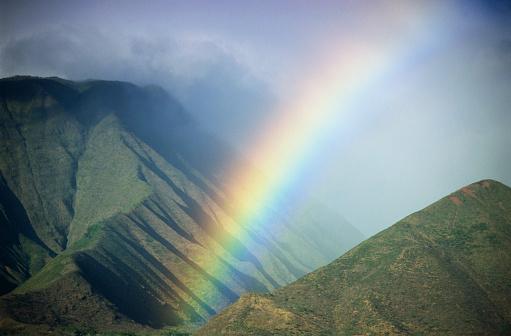 虹「Rainbow over Maui, Hawaii, USA.」:スマホ壁紙(1)
