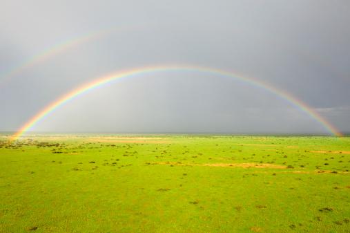 虹「Rainbow over the savanna, Jonglei, Republic of South Sudan」:スマホ壁紙(5)